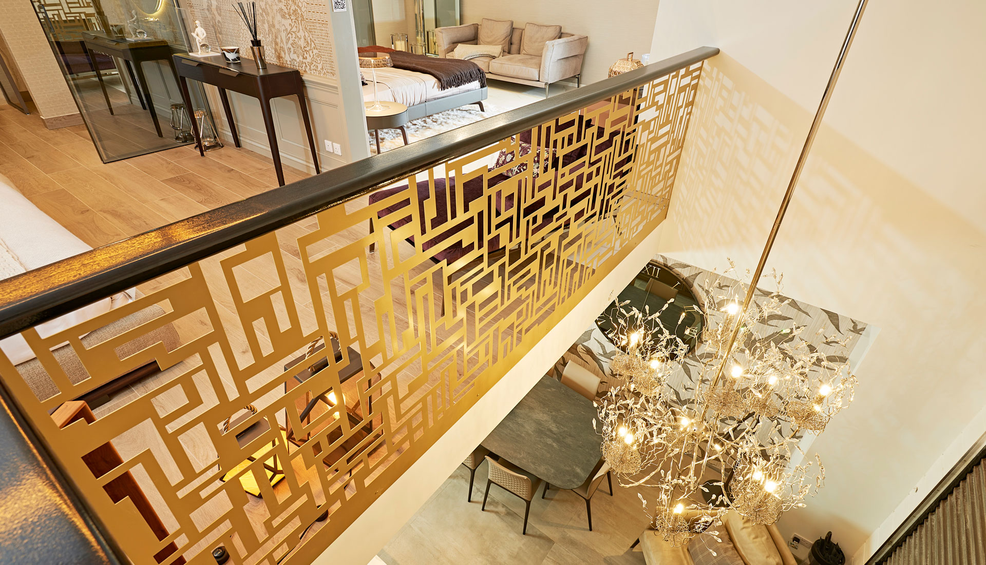 SHOWROOM ARCHITECTURAL FEATURES
